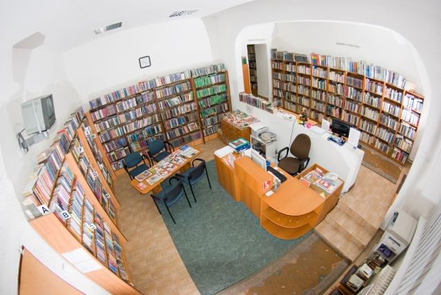 1bae02d20 Staromestská knižnica, pobočka Karadžičova 1, pozýva na výstavu malieb  amatérskej výtvarníčky Jany Májovej. Výstava je verejnosti prístupná od 14.  apríla do ...